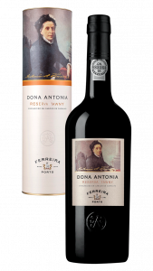 Bottle of Dona Antonia Reserva