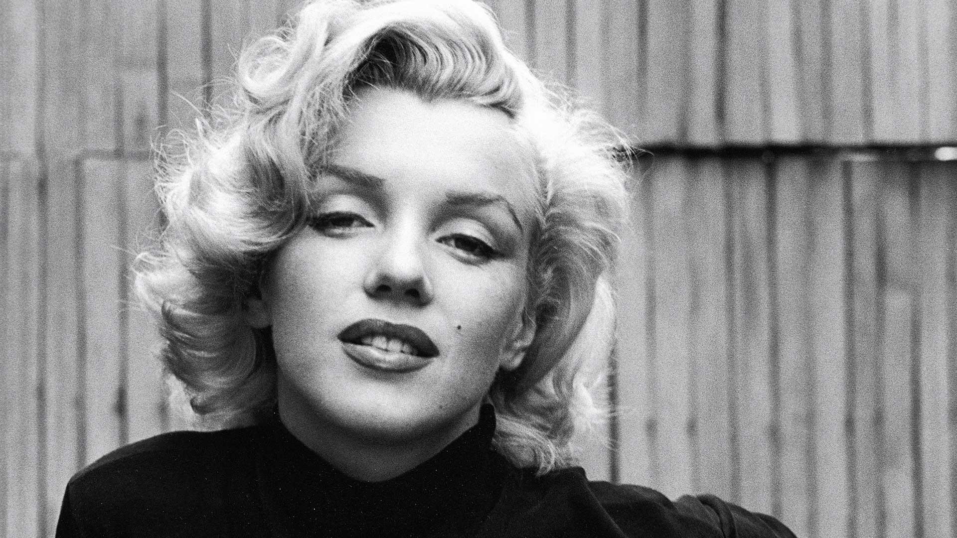 1953: Actress Marilyn Monroe