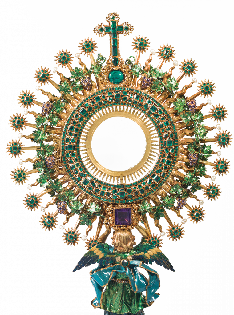 "Known as ""La Lechuga"" (the lettuce) due to the intense green generated by 1,486 emeralds, the Monstrance from the Church of Saint Ignatius of Bogotá is considered a baroque jewel of Colombian art and was exhibited in Portugal in 2017."