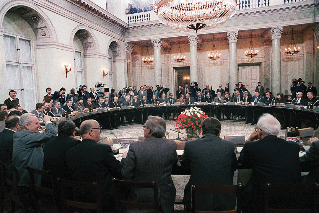 General view of the round table talks in Warsaw, Poland on February 06, 1989 between the Polish governement and the opposition.