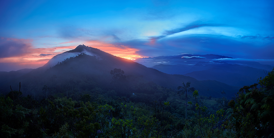 Panoramic photography with Pico Cristobal Colon, the tallest mountain in Colombia. Sunrise with isolated mountain.