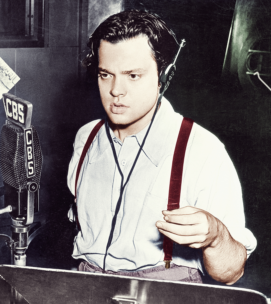Orson Welles Broadcasting on CBS ca. 1938