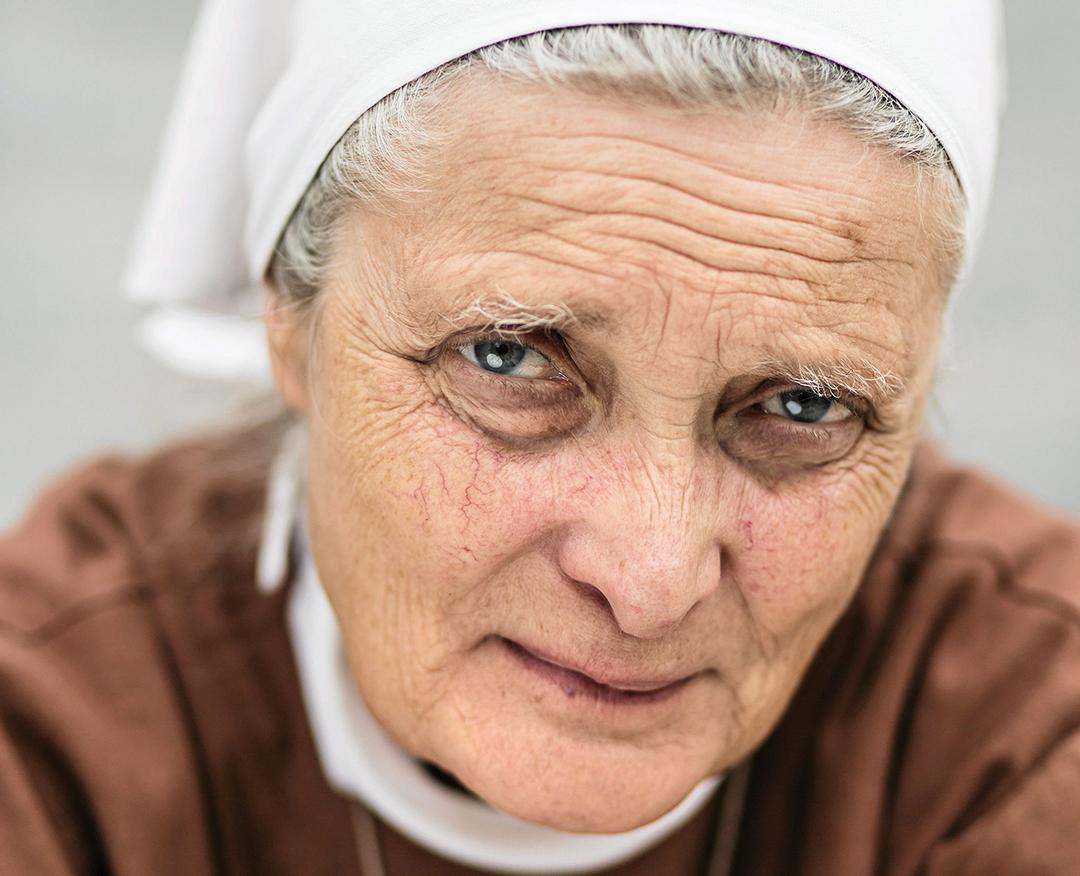"""13.08.2016 Wasniow Nagorzyce . Siostra Malgorzata Chmielewska – przelozona Wspolnoty """" Chleb Zycia """" . Fot. Mateusz Skwarczek / Agencja Gazeta"""